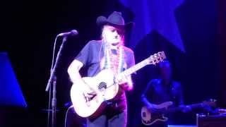 Willie Nelson - Funny How Time Slips Away/Crazy/Night Life (Houston 11.18.14) HD