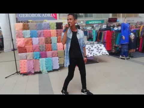 Ashral Hassan - Terus Memcintaimu cover live Bangi Gateway 31Aug