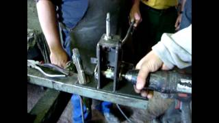 Repeat youtube video MAQUINA PELACABLES CASERA HOME FOR RECYCLING MACHINE WIRE STRIPPERS