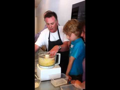 pasta cooking class 11_11_11.MOV