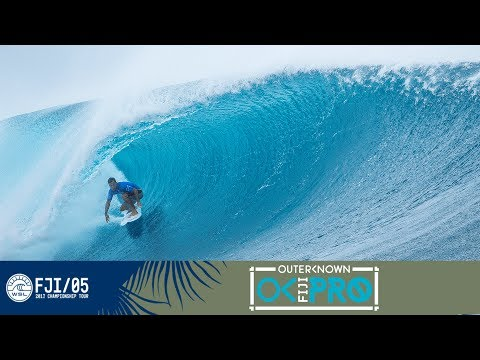 Michel Bourez Back Foot Stall at Outerknown Fiji Pro 2017
