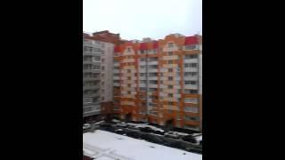видео Срочная отделка балкона ламинатом по доступной цене