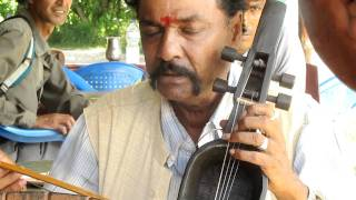 nepal stringed music instrument esraj from bandipur MVI_3594 four-string bowed instrument