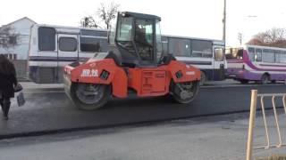 Как делают дороги в Крыму(Стала свидетелем того, как в Симферополе делают дорожное покрытие. Весна 2016, Симферополь, еду с работы,..., 2016-03-31T13:13:35.000Z)