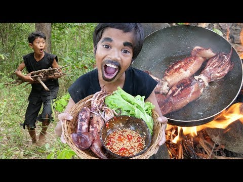 Survival Skills Primitive - Cooking squid and eating delicious ep004