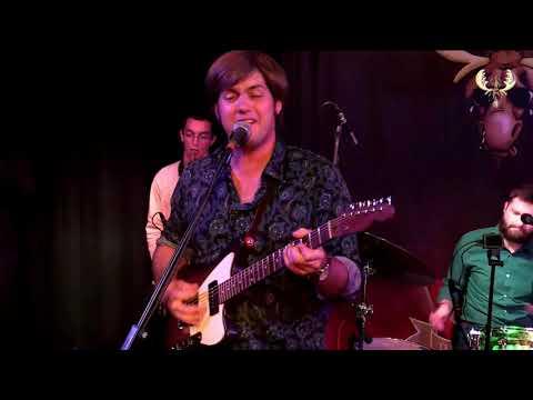 Al Holliday & the Eastside Rhythm band - Christmas in  America  - Live for bluesmoose radio Mp3
