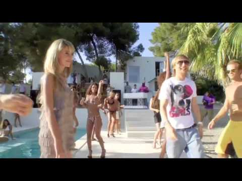 David Guetta - Sexy Chick Official Video