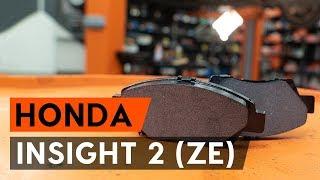 Kā nomainīt priekšējās bremžu kluči / bremžu uzlikas HONDA INSIGHT 2 (ZE) [AUTODOC VIDEOPAMĀCĪBA]
