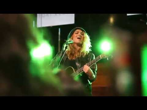 Tori Kelly - Bottled Up (HD Live)
