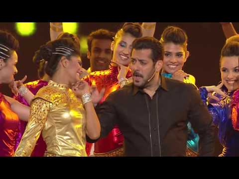 Check Out Salman Khan's Live Singing And Dancing At ZCA 2017 - Exclusive!