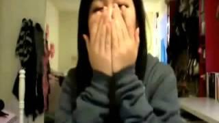 Девушки чихают      Pretty sneezing 1
