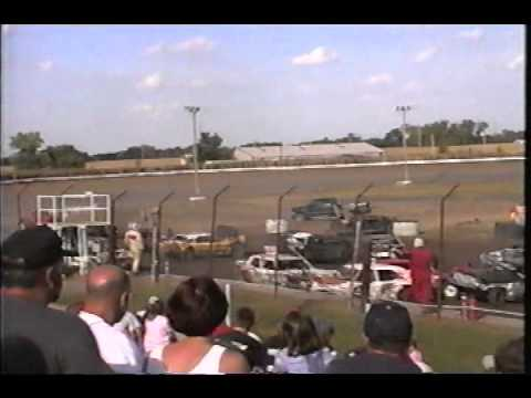 2004 Columbus Derby 33 (Jason Nuttelman)