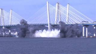 Tappan Zee Bridge plunges into the Hudson after the explosion