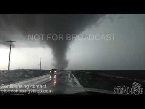 Dodge City, KS Tornadoes   24 May 2016