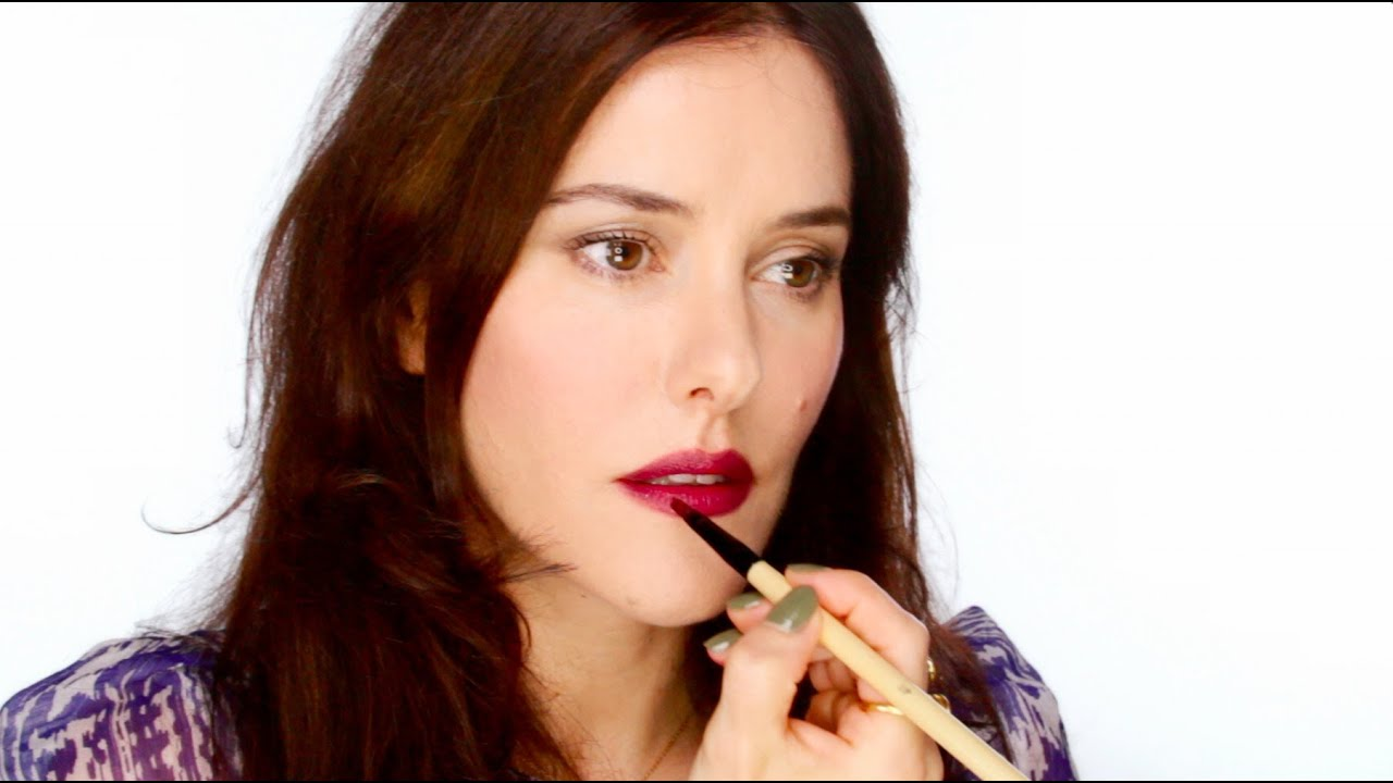 How To Wear Dark Lipstick - And Look Good! - YouTube