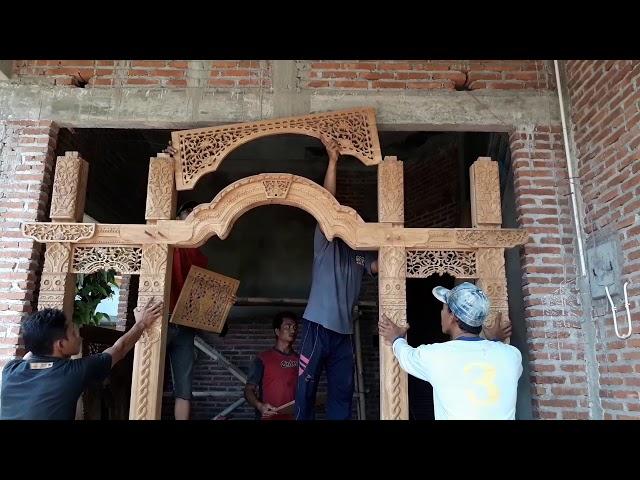 Cara pasang pintu Gebyok Model Pilar Dadung