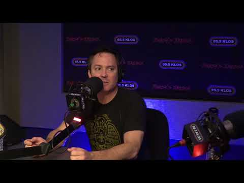 Thomas Lennon instudio on Jonesy's Jukebox  81318
