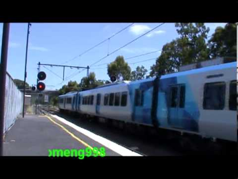 Short #27 : Metro X'trapolis Arriving and Departing Darling Station