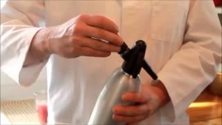Сифон для газирования воды : газирование воды в домашних условиях(http://creamer-shop.ru/ Не знаете как работает сифон для газирования воды mosa? Хотите узнать конструкцию сифона? Или..., 2015-04-12T20:49:19.000Z)