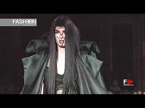 VIVIENNE WESTWOOD Fall 2008 2009 Paris - Fashion Channel