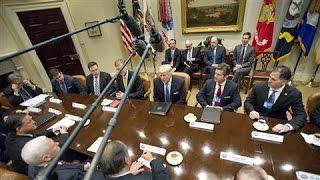 Trump Talks Up Tax Cuts, Slashing Regulations
