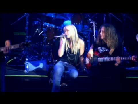Hilary Duff - Anywhere But Here  live