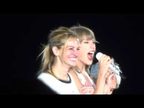 Taylor Swift, Julia Roberts & Joan Baez - Style Live - 8/15/15 - Levi's Stadium - [HD]