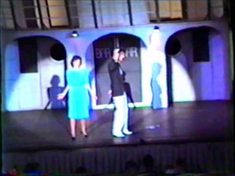 D'lovely from Anything Goes Nancy Neuman, Daniel Zelman, and chorus