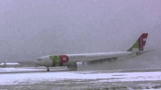Pouso de emergência TAP em meio a tempestade de neve - 1080p