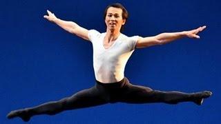 バレエの殿堂、ロシア国立ボリショイ・バレエ団の岩田守弘さん(41)...