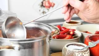 Заготовка красного острого перца на зиму в томатном соке