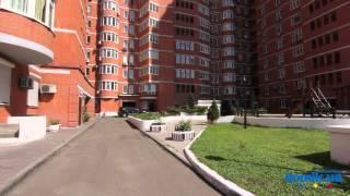 Ковпака, 17 Киев видео обзор(Улица Ковпака, 17. 17-этажный кирпичный дом 2001 года постройки. В здании иметься 5 парадных, которые поддерживаю..., 2014-09-21T12:47:20.000Z)