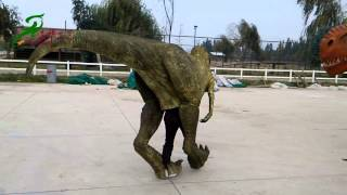 Walking dinosaurs show in Chile