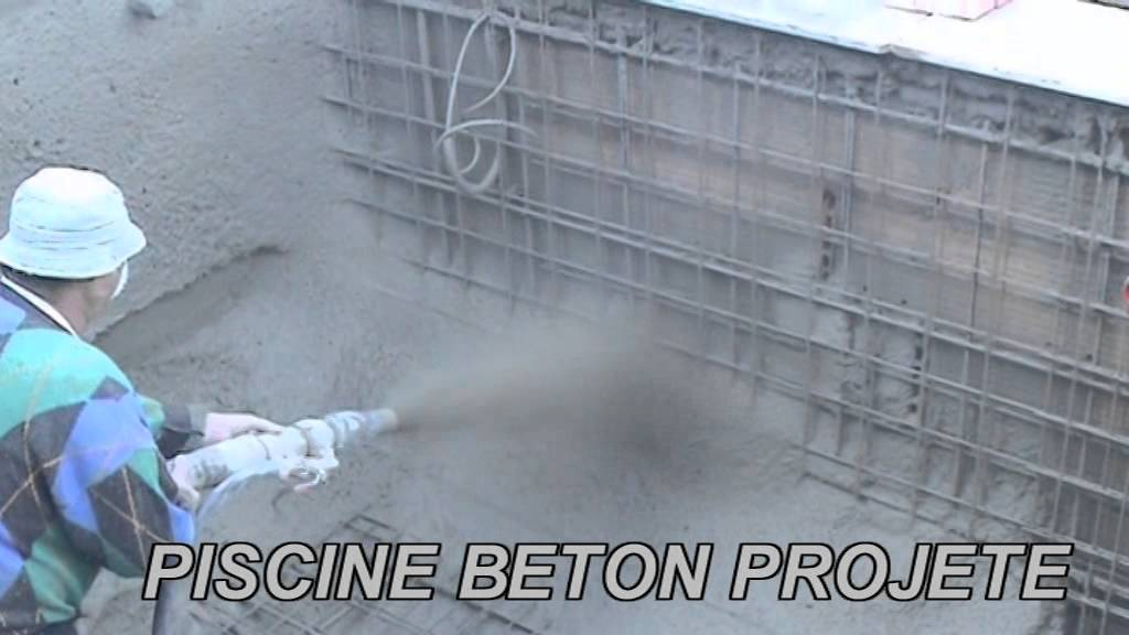 Piscine beton projete par voie humide youtube for Construction piscine beton