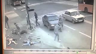 СТРАШНАЯ АВАРИЯ Автокатастрофа на перекрестке, с видеорегистрато 2016