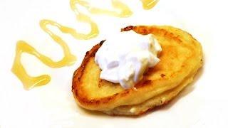 Рецепт простых вкусных сырников (творожных оладий) из творога.