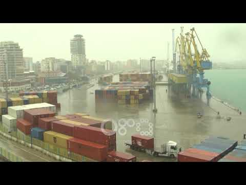 Ora News -  280 pasagjerë të tragetit Bari- Durrës përjetojnë momente tmerri në det të hapur