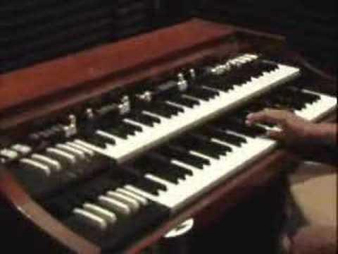 Learn Shouting Church Chords on the Organ-GospelMusicians.com