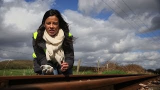 Liz Bonnin replicates how leaves affect trains - Bang Goes The Theory: Series 8 Episode 7 - BBC One