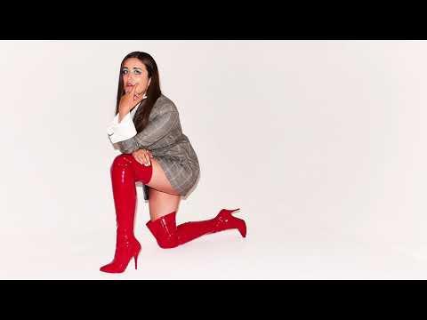 Клип Lauren Aquilina - If Looks Could Kill