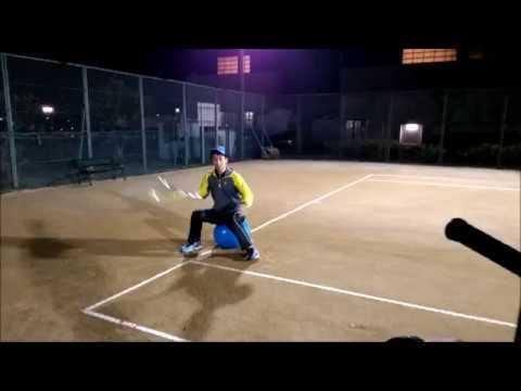 ソフトテニス】バランスボールに...