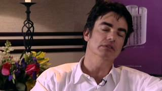 Peter Gallagher - Interview - 10/15/2000 - unknown (Official)
