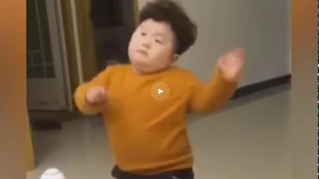 Гифка китайский мальчик танцует