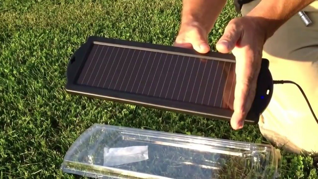 Harbor Freight 15 Watt Solar Battery Charger - YouTube