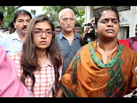 Download Nazriya gives complaint at Commissioner officer against the Naiyandi Director & Producer
