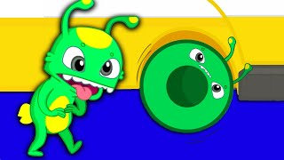 Groovy The Martian & Phoebe -  Groovy sings wheels on the bus song!