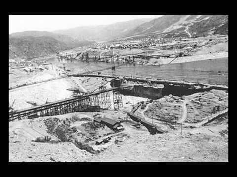 Construction of the Grand Coulee Dam