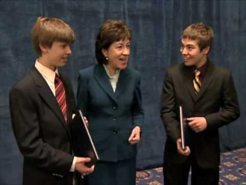 Senator Collins meets with Senate Youth Program students