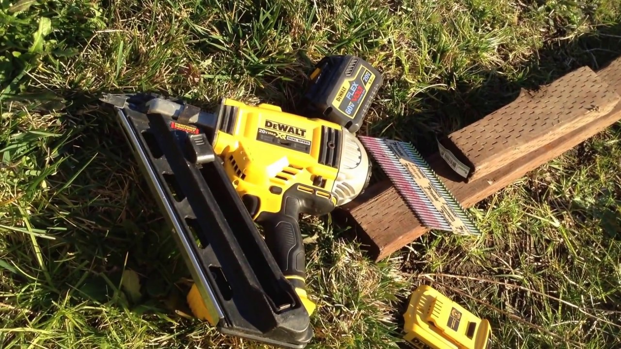 flexvolt battery solves nearly all dewalt cordless framing nailer problems dcn692