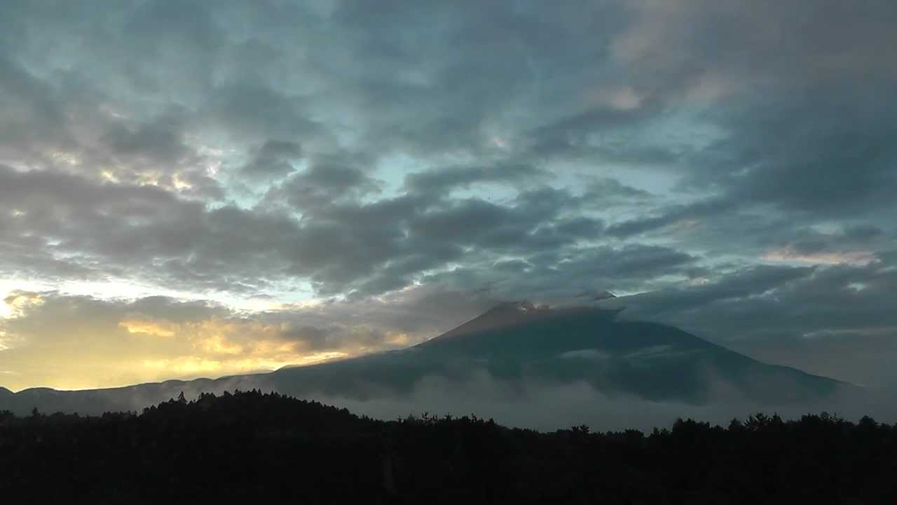 Mt. Fuji morning fog asagiri 藤山の朝霧 - softypapa adventures